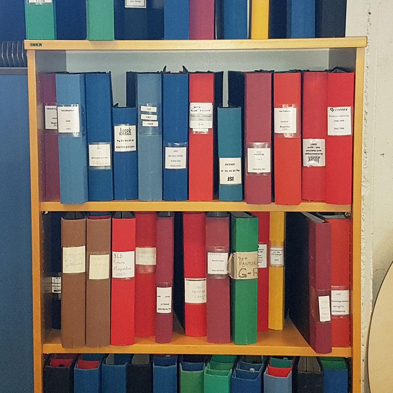 Fantastisk Pärmar begagnade med olika ryggfärger - BBS Begagnade Kontorsmöbler EL-67