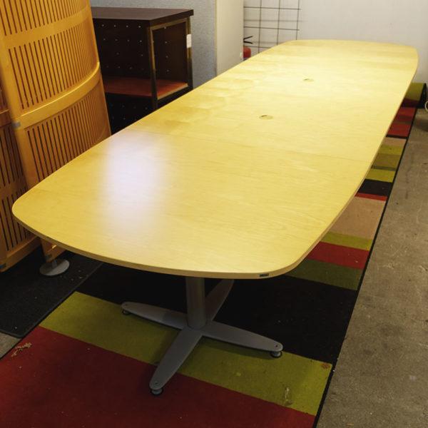 Kinnarps konferensbord