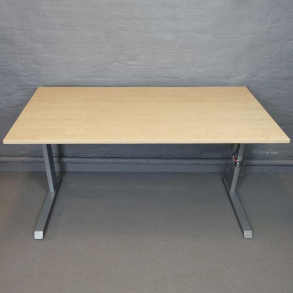 Skrivbord eldrivna