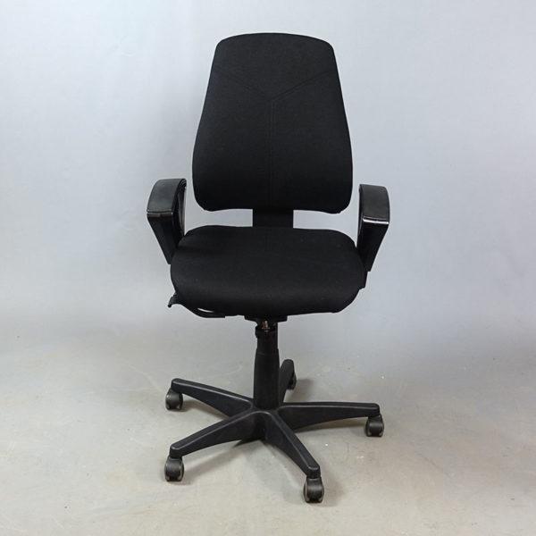 Kinnarps kontorsstolar låg rygg med armstöd