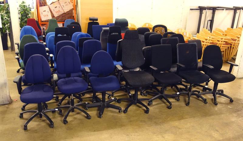 Lagerrensning av begagnade kontorsstolar