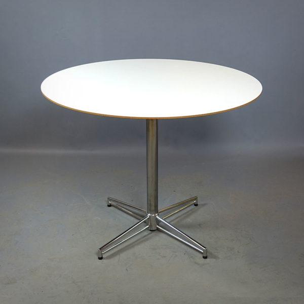 Runda cafébord i vitt