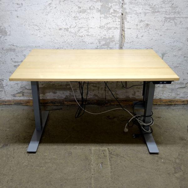 Begagnade eldrivna skrivbord 120 cm