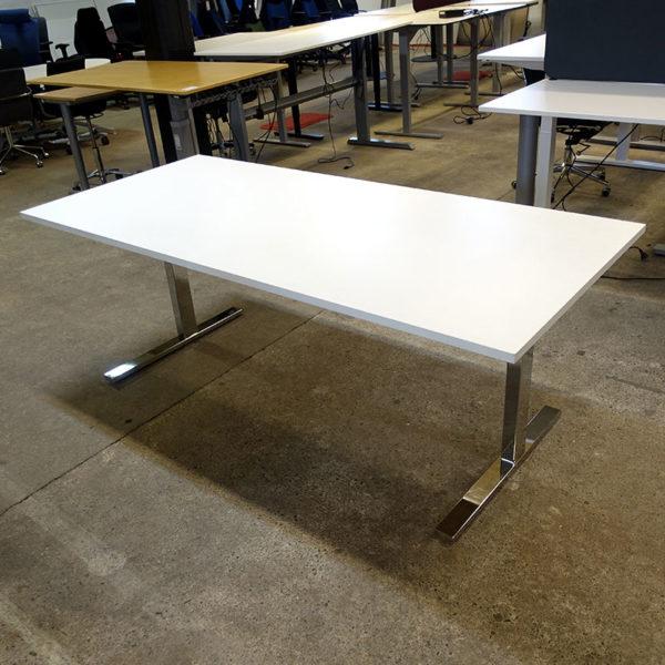 Begagnade skrivbord 200 cm