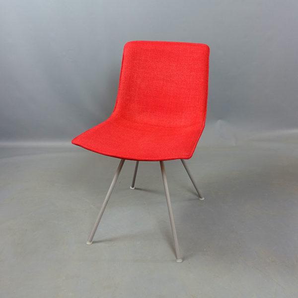 Begagnade stolar röda