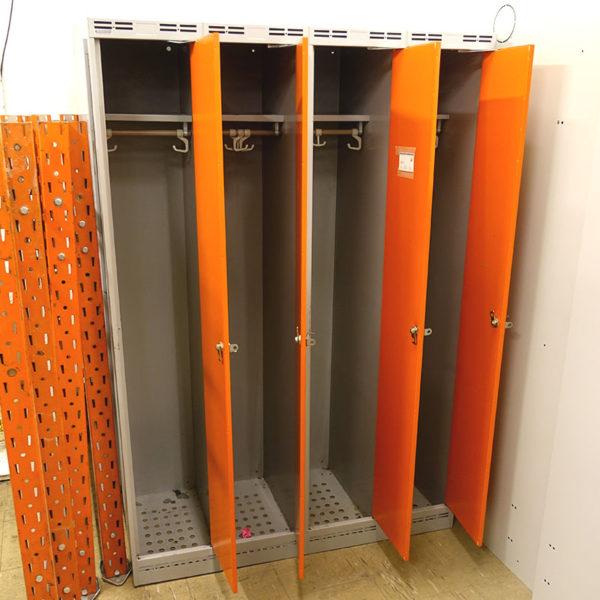 Begagnade orangea klädskåp Sonesson