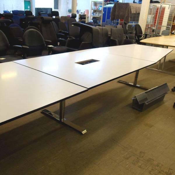Båtformat konferensbord Lanab 730 cm