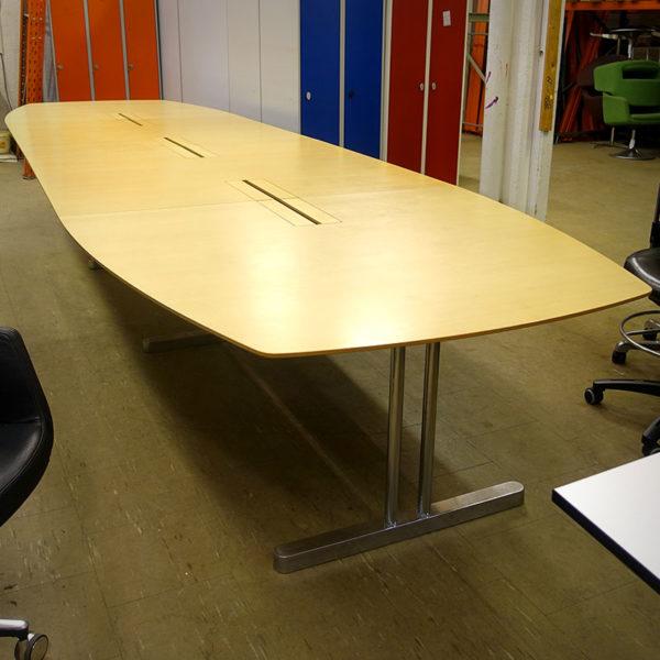 Båtformat konferensbord Skandiform 500 cm