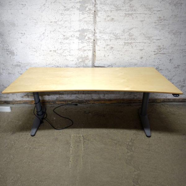 Begagnade eldrivna skrivbord EFG