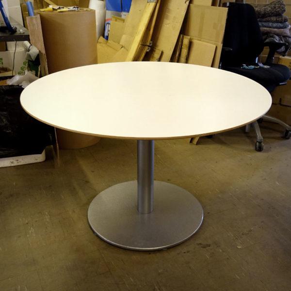 Begagnat vitt cafébord 118 cm