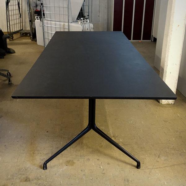 Begagnat konferensbord i svart