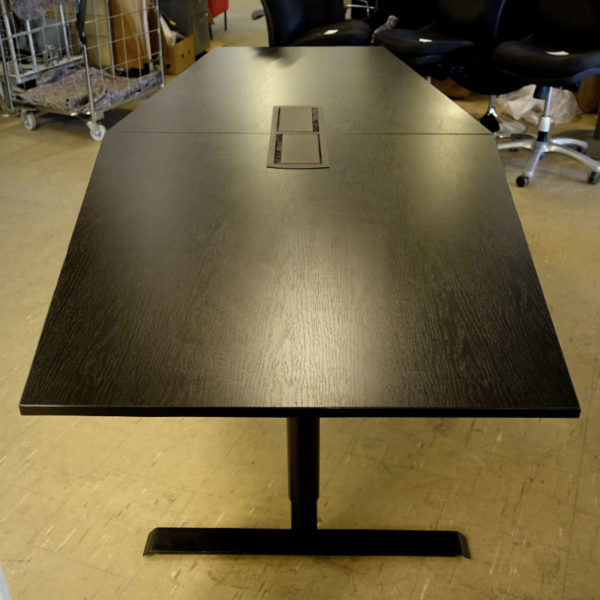 Begagnat svart konferensbord