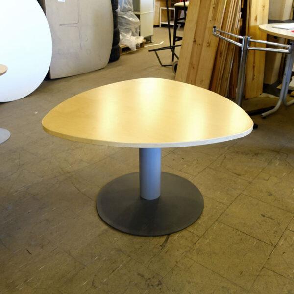 Begagnat bord Kinnarps 90x90 cm