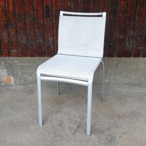 Begagnade ljusgråa stolar