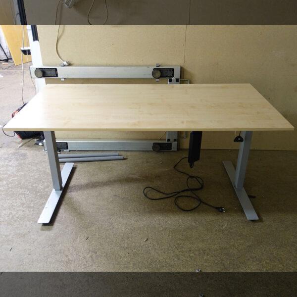 Begagnat eldrivet skrivbord 160x80 cm