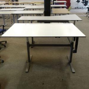 Begagnade eldrivna skrivbord 160x100 cm