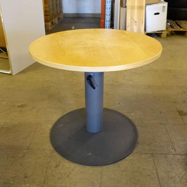 Höj- och sänkbara cafébord Kinnarps
