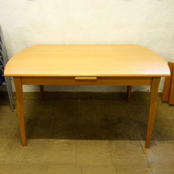 Begagnade matbord 135x90 cm