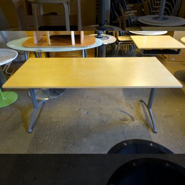 Begagnat skrivbord Kinnarps Asto 180x80 cm