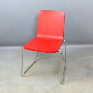 Röda stolar Skandiform Pompidoo