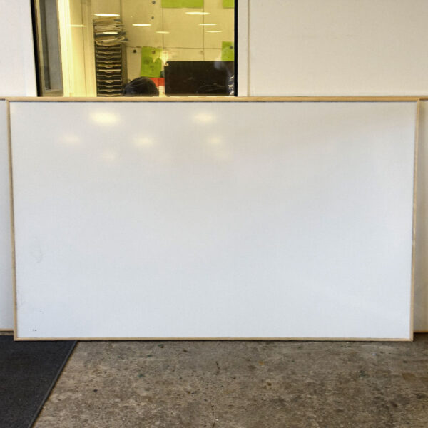 Begagnade whiteboards 150 cm