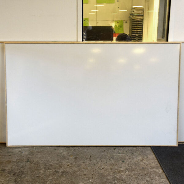 Begagnade whiteboards 200 cm