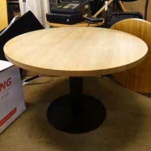 Begagnade runda bord Ø90 cm