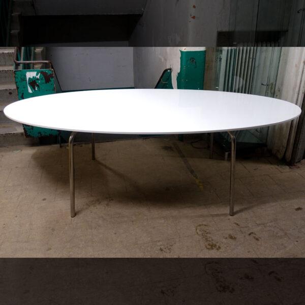 Begagnat ovalt konferensbord 237x102 cm