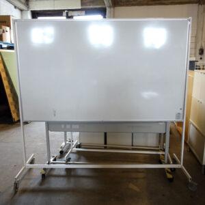 Begagnad whiteboard på hjul Pendax