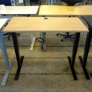 Begagnade eldrivna skrivbord Swedstyle 120x60 cm