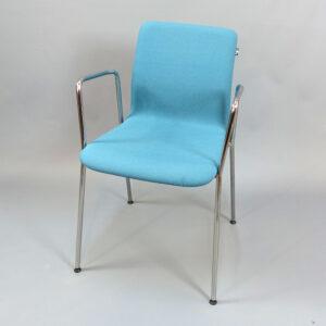 Begagnade konferensstolar EFG - blå med armstöd