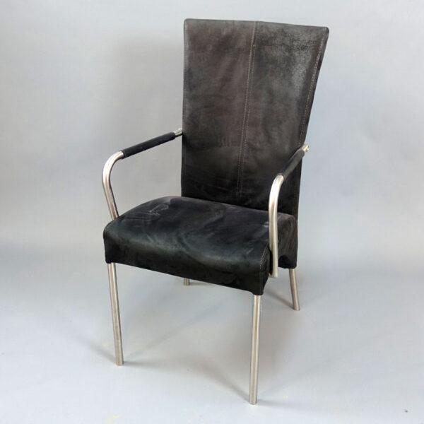 Begagnade stolar med hög rygg