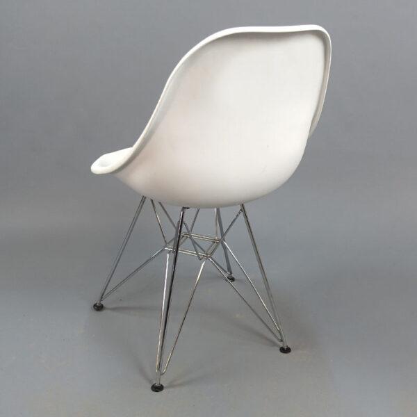 Begagnade vita stolar