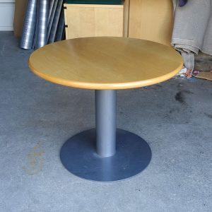 Begagnat runt bord Isku Ø70 cm