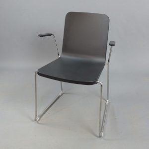 Mörkgråa stolar Skandiform Pompidoo med armstöd
