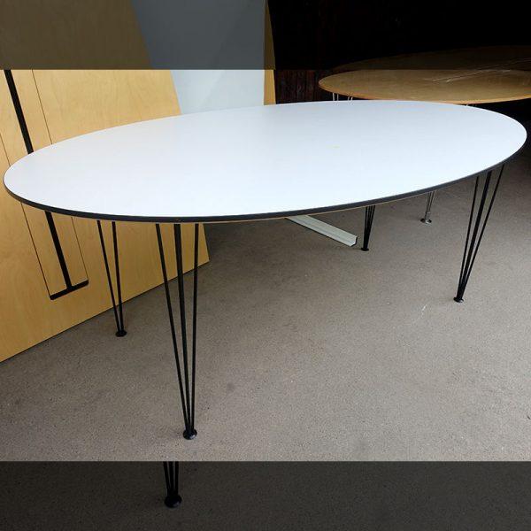 Begagnade ovala konferensbord 180x100 cm