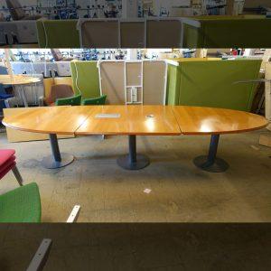 Begagnat konferensbord 360x124 cm