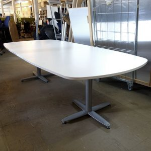Begagnade vita konferensbord Kinnarps 280x120 cm