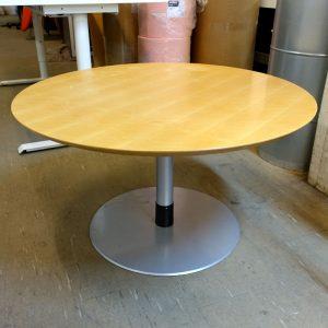 Begagnat cafébord Offecct Ø90 cm