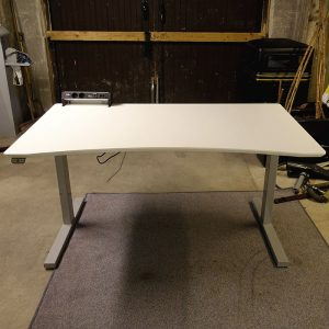 Begagnade eldrivna skrivbord Edsbyn 140x80 cm