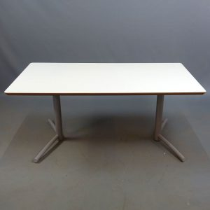 Begagnat skrivbord Edsbyn 120x60 cm