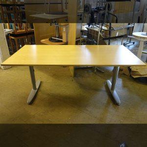 Begagnat skrivbord Kinnarps 180x90 cm