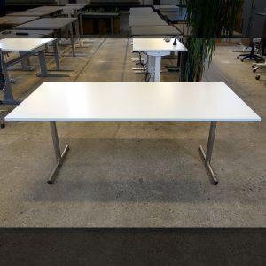 Begagnat vitt bord 180x80 cm