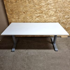 Begagnade eldrivna höj- och sänkbara skrivbord 160x80 cm